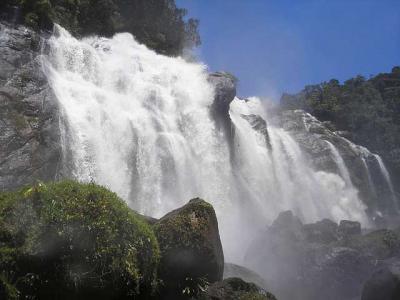 Imagem mostra Cachoeira do Elefante
