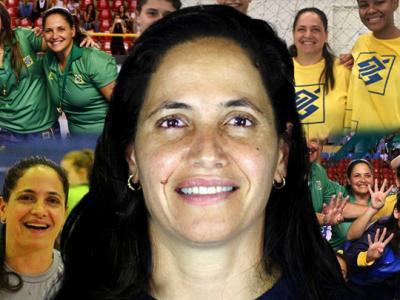 Imagem mostra treinadora