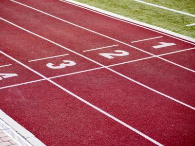 Imagem mostra raias de pista de atletismo