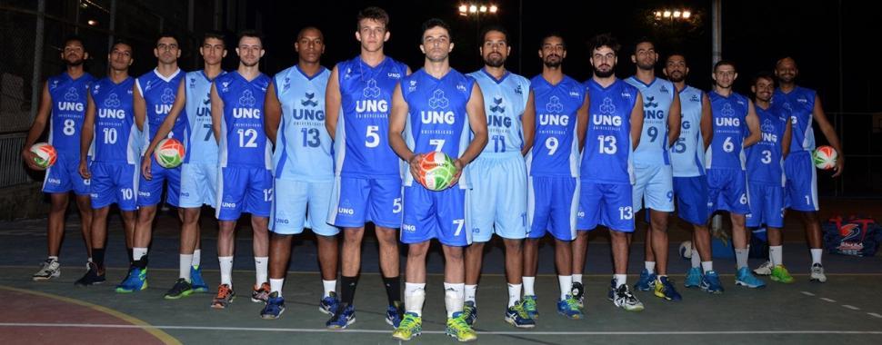 Imagem mostra equipe de vôlei da UNG