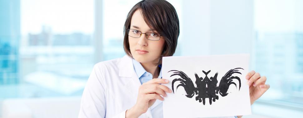 Alunos que não se identificam com a área clínica podem seguir carreiras distintas dentro da profissão. Foto: Freepik