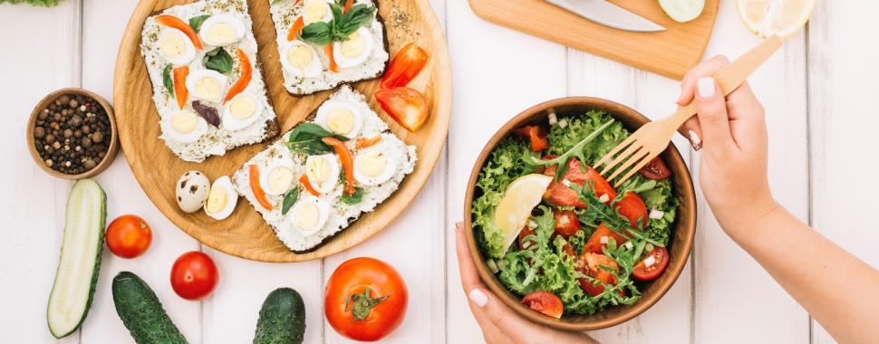 O aumento do interesse em alimentação de qualidade tem ampliado o mercado para nutricionistas/Freepik