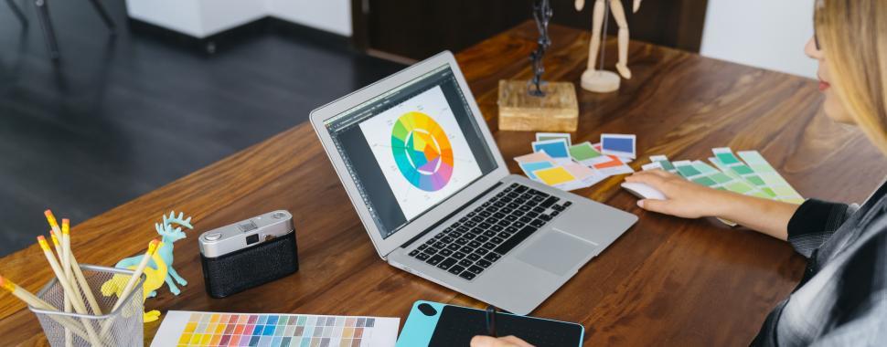 Descubra 5 áreas de atuação em Design/Freepik