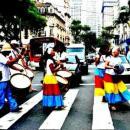 Paulistas vivenciam a tradição pernambucana com grupos de maracatu de baque virado